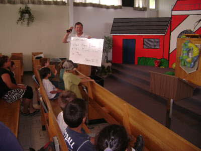 VBS 2007 - reviewing Bible verse